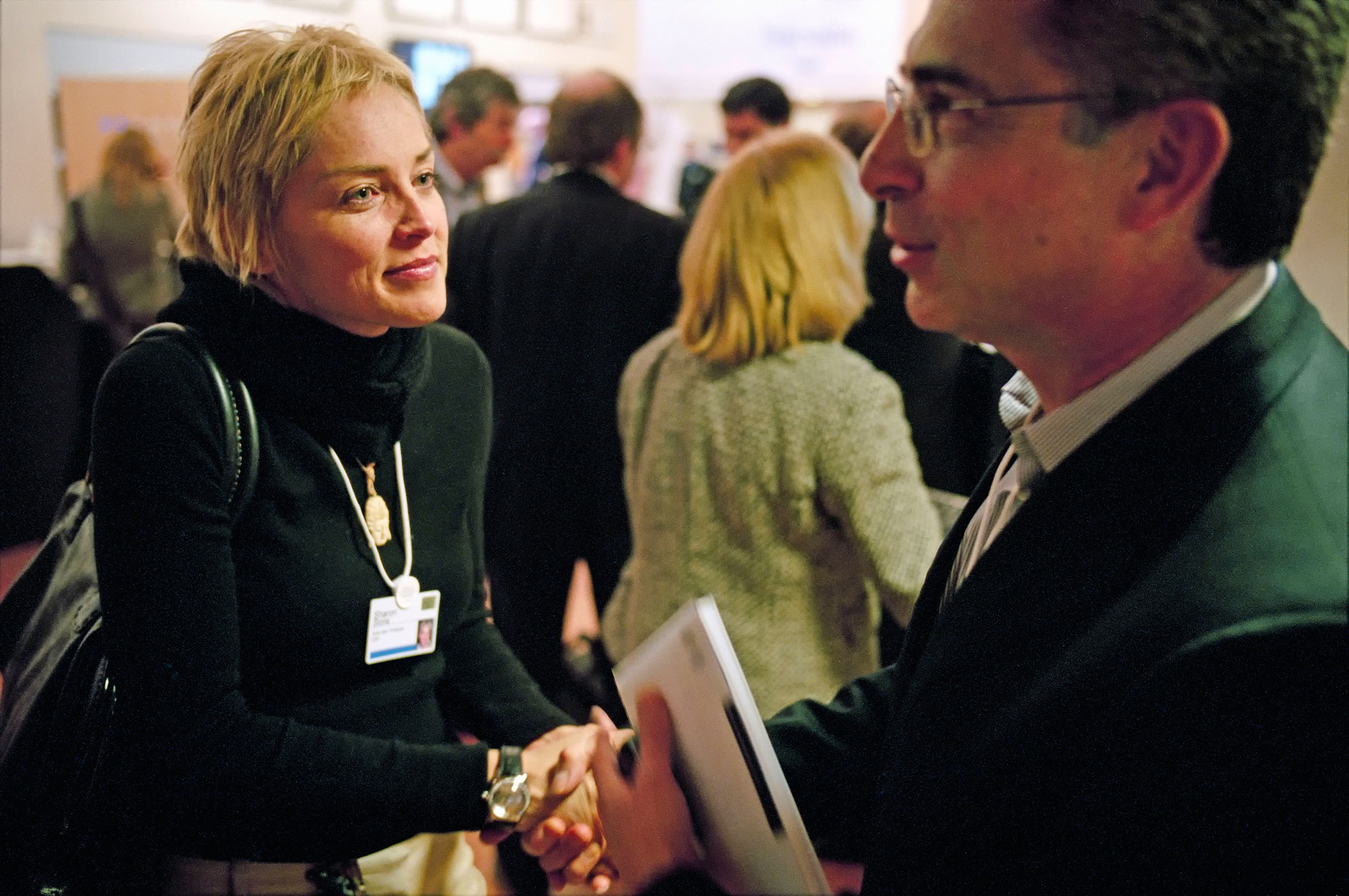 SWITZERLAND. Davos. Annual Meeting of the World Economic. 2005.Sharon Stone discussing Latin-American literature with Ernesto Zedillo Ponce de Leon (Director, Yale Center for the Study of Globalization (USA) and former President of Mexico).Contact email:New York : photography@magnumphotos.comParis : magnum@magnumphotos.frLondon : magnum@magnumphotos.co.ukTokyo : tokyo@magnumphotos.co.jpContact phones:New York : +1 212 929 6000Paris: + 33 1 53 42 50 00London: + 44 20 7490 1771Tokyo: + 81 3 3219 0771Image URL:http://www.magnumphotos.com/Archive/C.aspx?VP3=ViewBox_VPage&IID=2TYRYDA299DD&CT=Image&IT=ZoomImage01_VForm