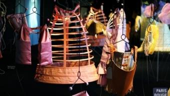 Arts décoratifs / De la tenue, que diable!