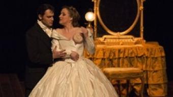 A Bastille, une Traviata «noir lumière»