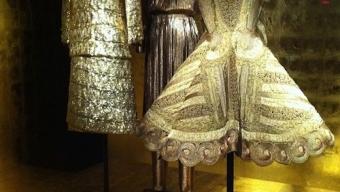 La mode des podiums aux musées