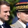 Macron au garde-à-vous !