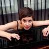 Fanny Azzuro, le piano rayonnant