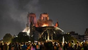 Notre Dame de feu et d'eau