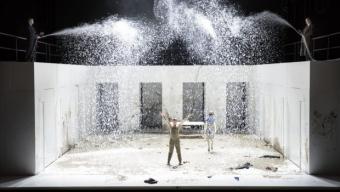Les Bienveillantes de Litell à l'opéra des Flandres