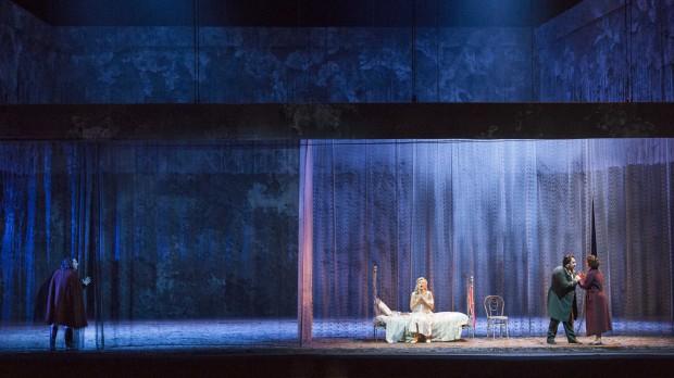 Rigoletto_Regia Leo Muscato_Un totale_Opera di Roma Stagione 2014-15_©Yasuko Kageyama_9016