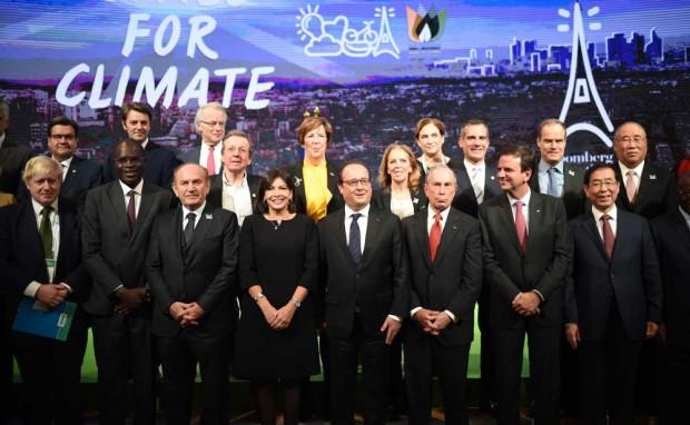 1181663_sommet-des-maires-pour-le-climat-la-mise-en-garde-de-francois-hollande-web-tete-021534181700
