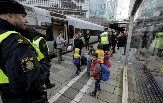 Suède-migrants-contrôles-frontières-e1447422136232