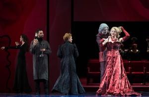 Traviata (Roger Joakim et Mirela Gradinaru) © Lorraine Wauters - Opéra Royal de Wallonie-4