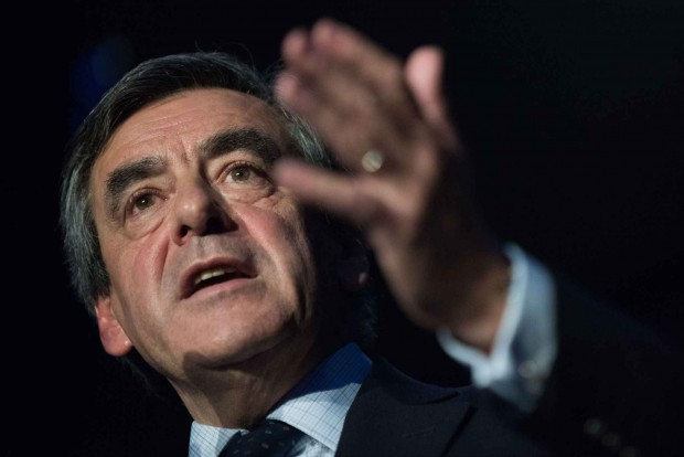 2048x1536-fit_depute-republicains-francois-fillon-meeting-10-decembre-2015-nantes